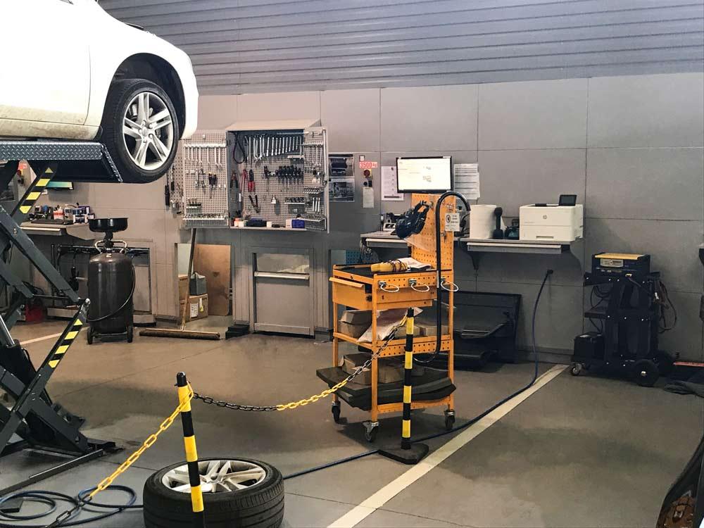Produit intégré pour un encombrement réduit / Atelier Volvo / Toulouse Labege