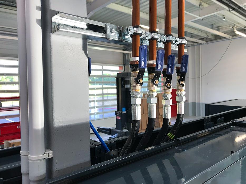 Réseau de distribution de fluides intégré au mobilier d