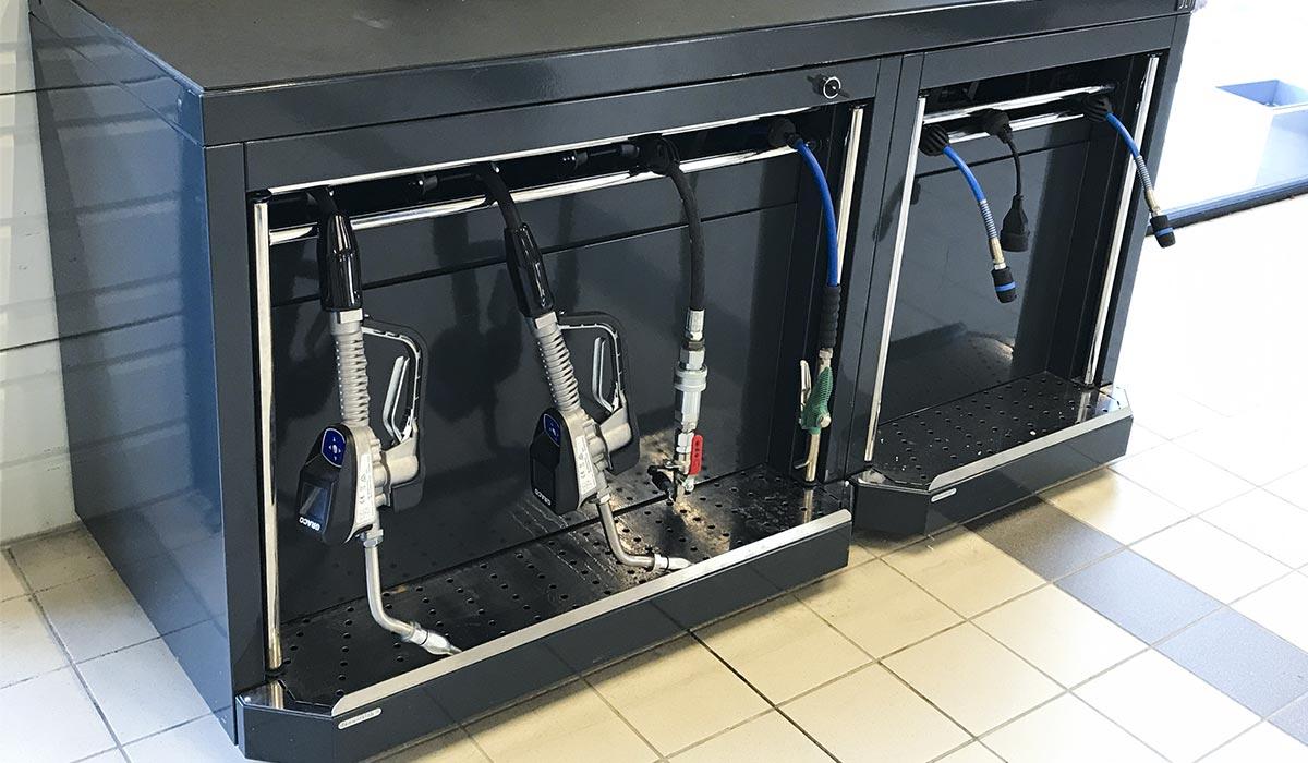 Mobilier d'atelier DEA avec pistolets avec gestion Pulse pour la distribution des fluides