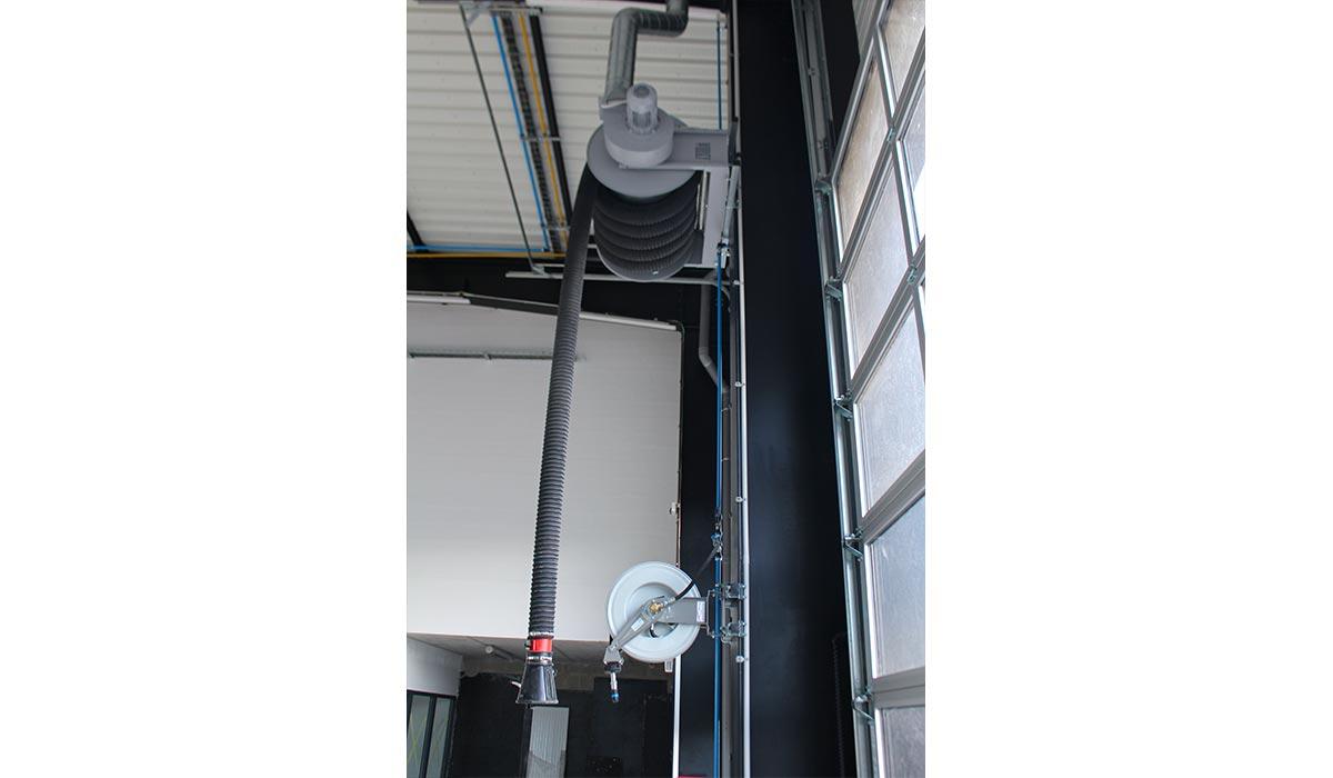 Enrouleur autonome pour extraction de gaz en atelier