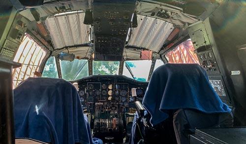 Cockpit-avion-Ecaut